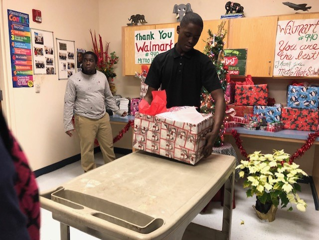 Walmart Gives to Metro