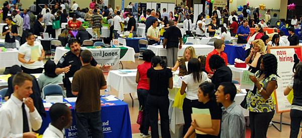 Approximately 14,000 Job Opportunities Available at FWISD's Student Hiring Fair 2019