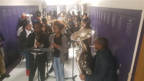 Handley Band Carols the Halls