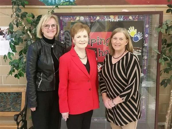 Rep. Kay Granger Visits Meadowbrook E.S.